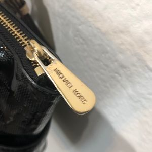 Michael Kors Bags - *Authentic* Michael Kors Bag